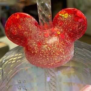 M. Mouse ear straw topper